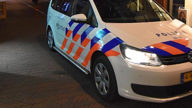 Twee gewonden bij steekpartij na vermoedelijke burenruzie in Tilburg