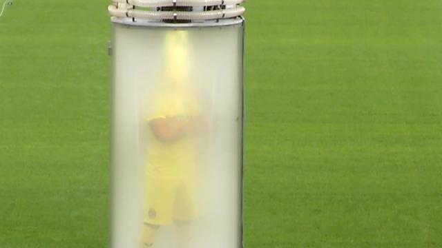 Spaanse voetbalclub presenteert nieuwste aanwinst met grote illusie