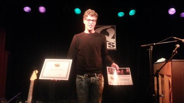 Stijn wint Jong QuiteQuiet Leiden met Nederlandstalige liedjes