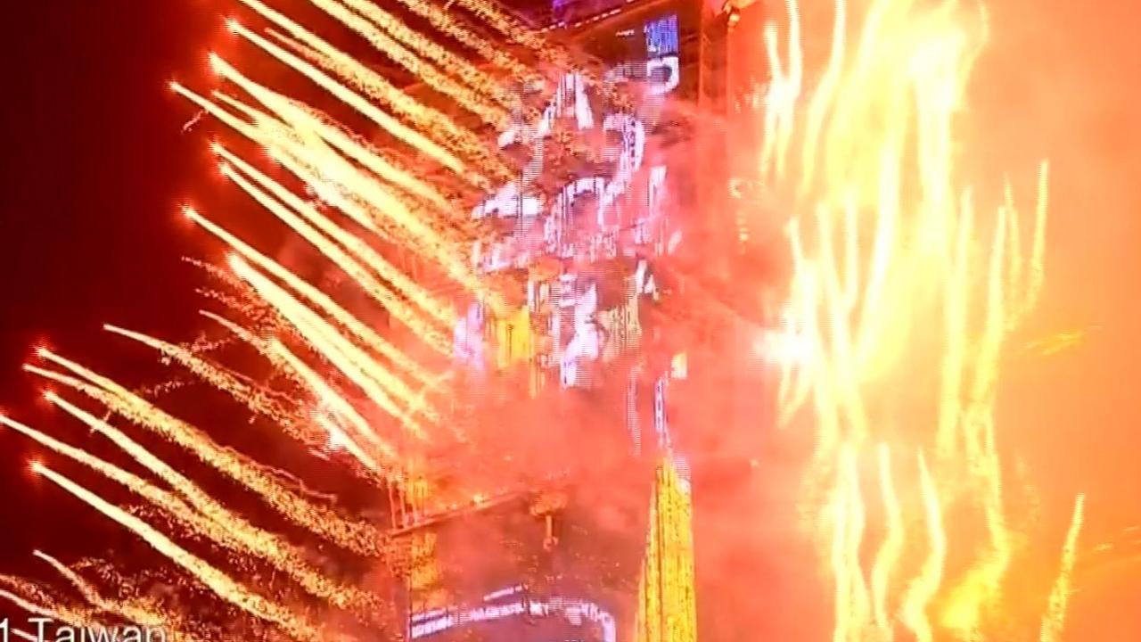 Videocompilatie: Nieuwjaar wereldwijd knallend ingeluid