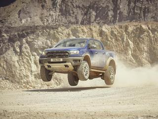 Het uiterlijk van de pickup is afgeleid van de Ford F-150 Raptor