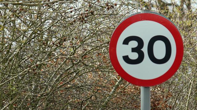 Halderberge richt komgrenzen opnieuw in voor snelheidsvermindering
