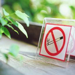 Overlijdensrisicoverzekering helft goedkoper als je niet rookt; zo zit dat