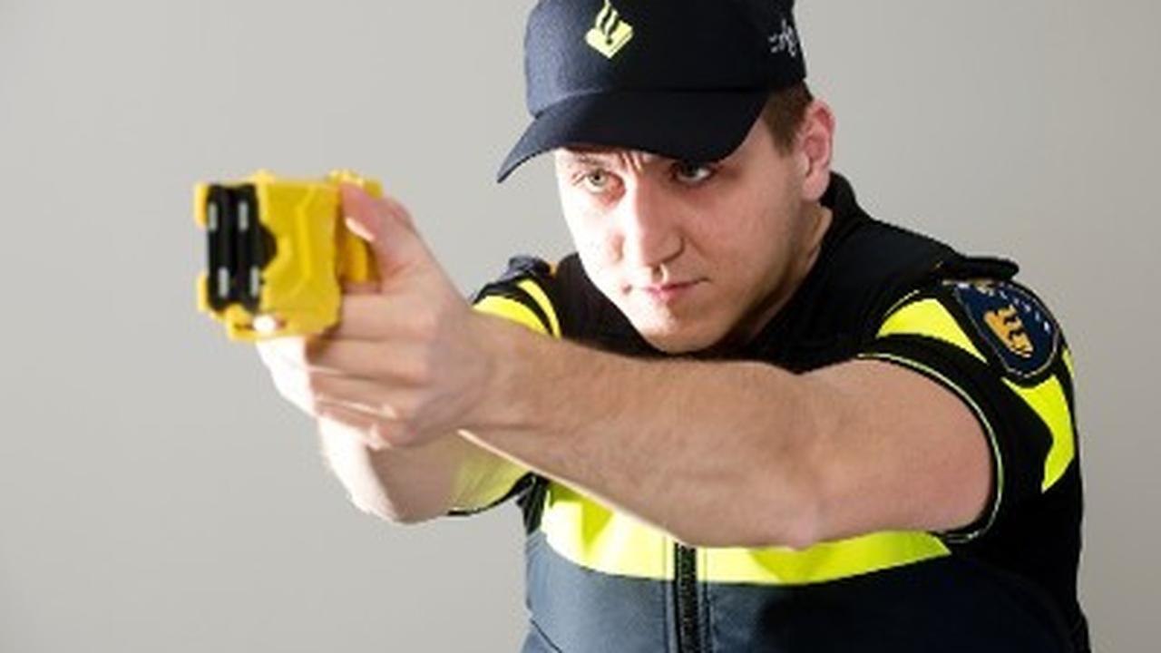 Agenten krijgen een stroomstootwapen om zich te verdedigen