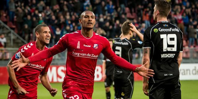 Tien man Utrecht verslaan Heracles, Groningen in slotfase langs ADO