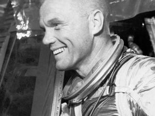 Ruimtevaarder eerste Amerikaan die baan om de aarde maakte