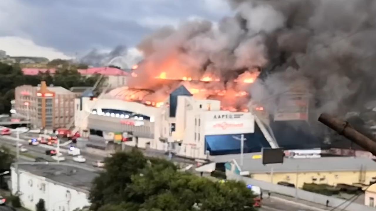 Grote brand verwoest winkelcentrum in Rusland
