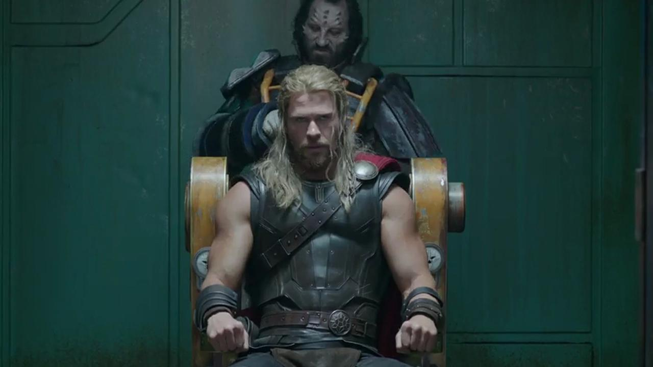Chris Hemsworth wordt gevangen genomen in trailer Thor: Ragnarok