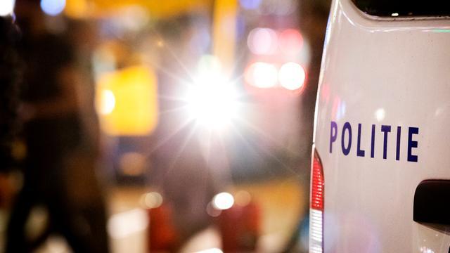 EOD bevrijdt man die ruim twee uur op 'sissende' granaat lag in Venlo