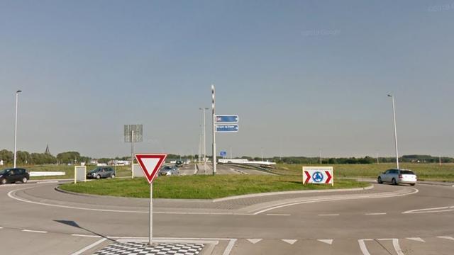 Automobilist mishandelt verkeersregelaar in Steenbergen