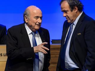 Kameroener Issa Hayatou neemt taken Blatter per direct over