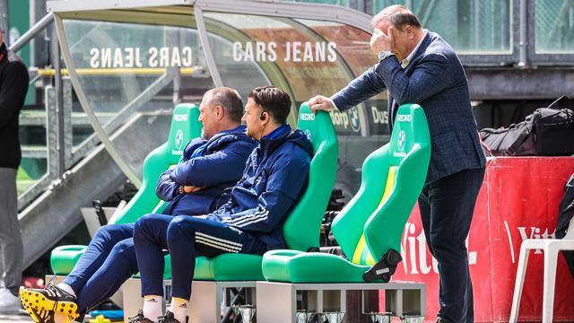 Het leek er even op dat de wedstrijd in Den Haag voor Dick Advocaat zijn laatste was als trainer van Feyenoord.