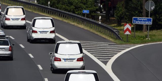 Rouwstoet slachtoffers Germanwings op Duitse snelweg