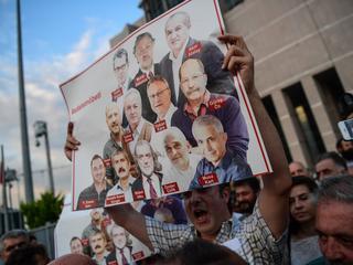 Journalisten zaten vast op verdenking van steun aan terroristische organisaties