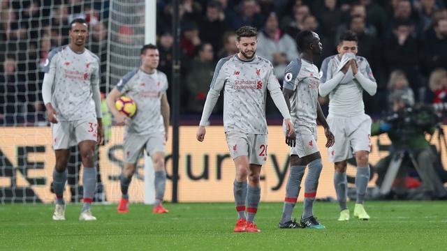Liverpool loopt weer averij op en ziet voorsprong in titelrace slinken