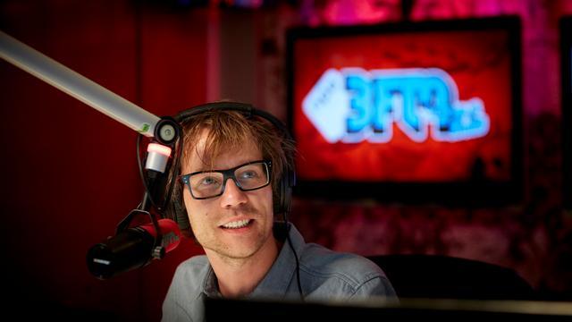 Giel Beelen noemt eigen 'apengrap' over Sylvana Simons smakeloos