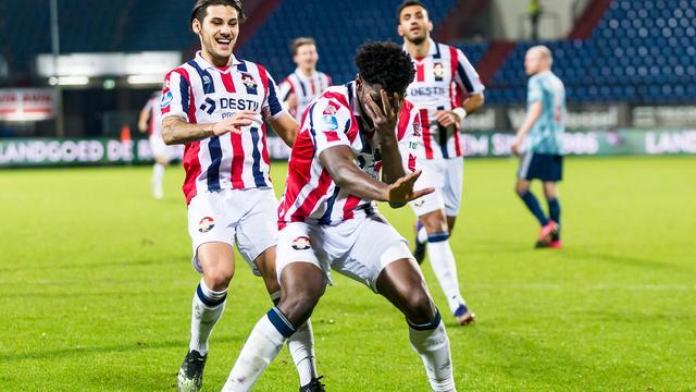 Kwasi Wriedt bezorgde Ajax duur puntenverlies.