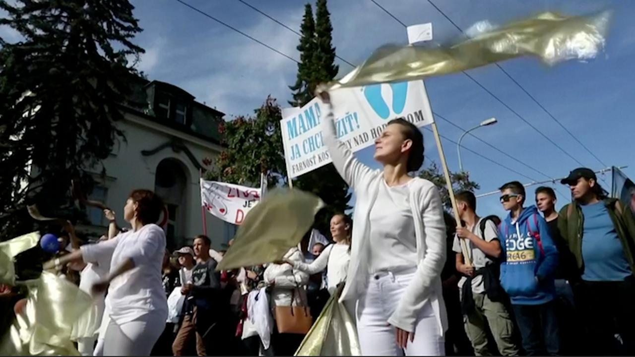 Duizenden mensen in Slowakije pleiten voor ban op abortus