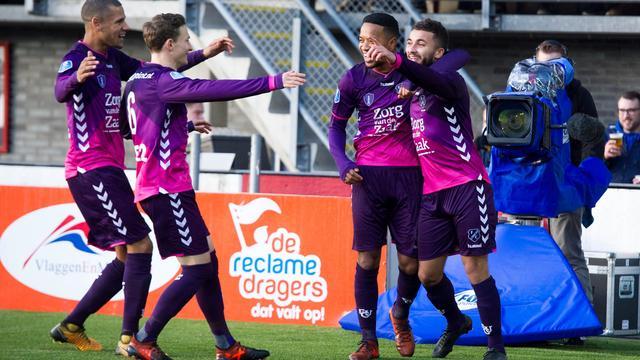 FC Utrecht boekt late zege op Sparta, Vitesse vecht zich langs tiental ADO