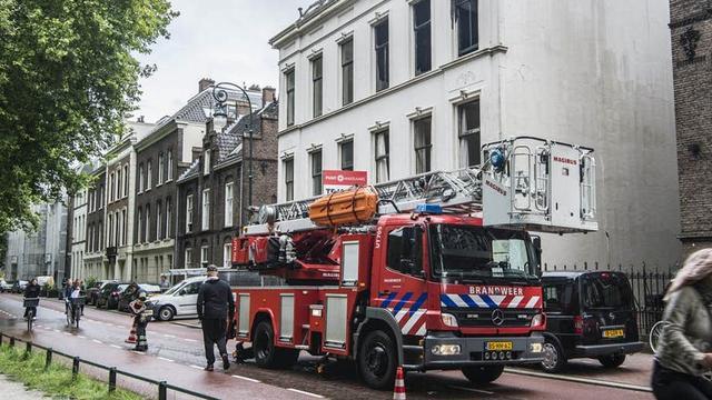 Brandweer rukt voor de tweede keer uit voor brand pand Maliesingel