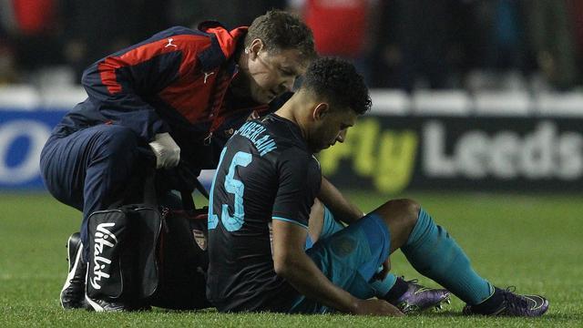 Arsenal komende weken zonder Oxlade-Chamberlain en Walcott
