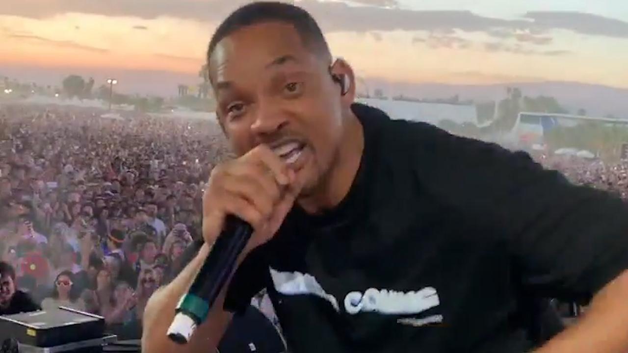 Will Smith verrast publiek Coachella bij optreden zoon Jaden