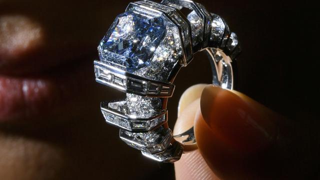Juwelenhandelaar beroofd in Britse passagierstrein