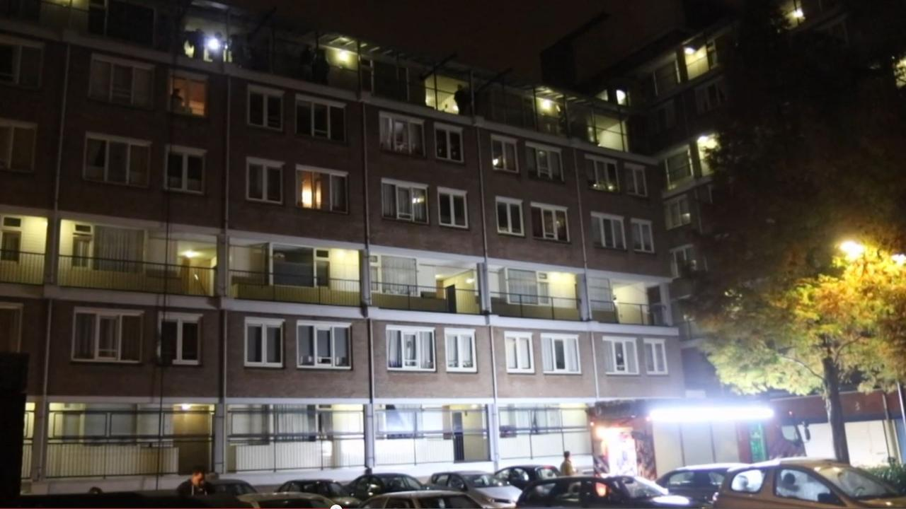 Brandweer ontdekt dode man na woningbrand Schiedam