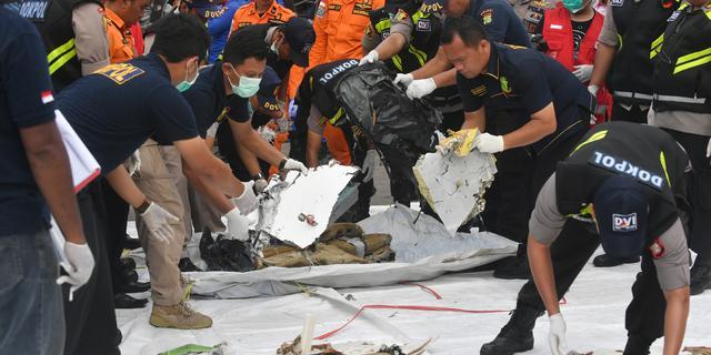 Neergestort vliegtuig Lion Air na dag zoeken nog niet gevonden