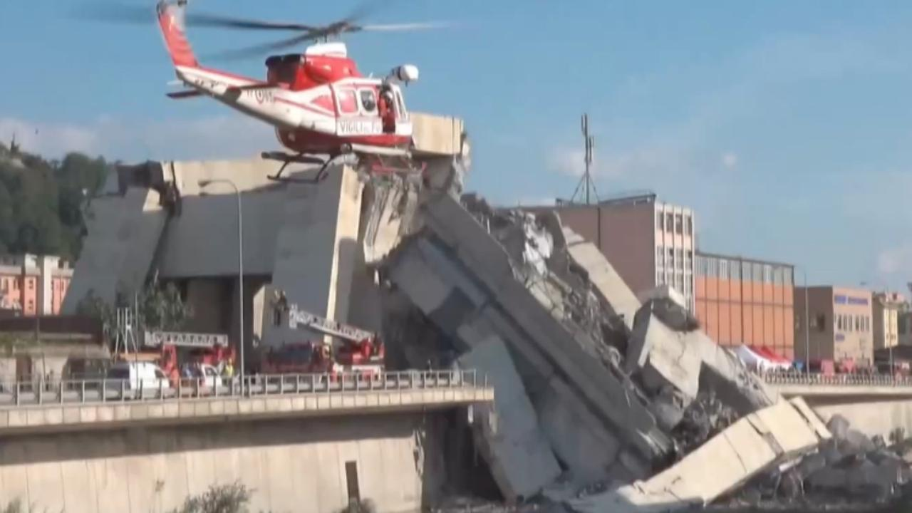 Live: Hulpdiensten zoeken naar slachtoffers na instorten brug Genua