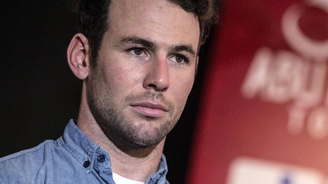 Cavendish neemt eredoctoraat in ontvangst