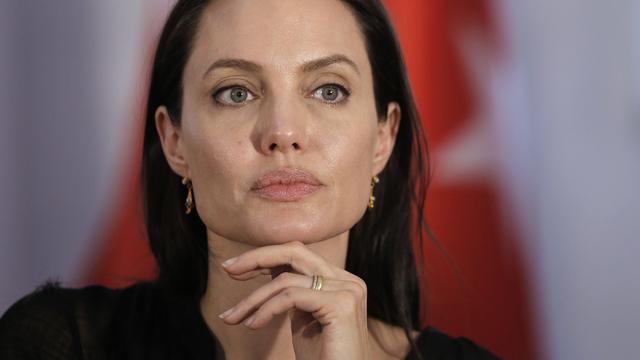 'Angelina Jolie wil met Brad Pitt en kinderen naar traumaverwerking'