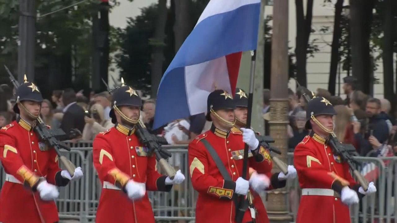 Robots bij militaire parade Franse feestdag