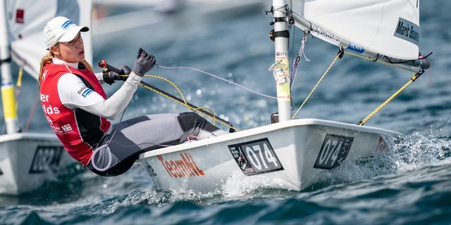Bouwmeester zakt door materiaalpech naar vierde plek bij WK Laser Radial