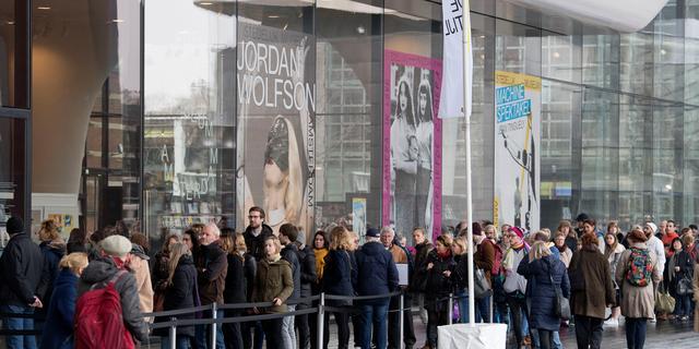 Kunstraad adviseert Stedelijk Museum Amsterdam niet te concurreren met 'jetset'