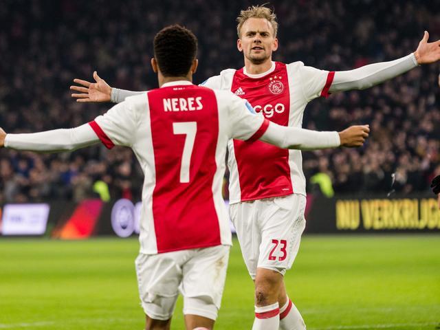 Ajax loopt in op koploper PSV na zwaarbevochten thuiszege op Excelsior