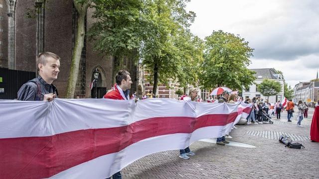 Weer een demonstratie tegen de Belarussische president in Utrecht