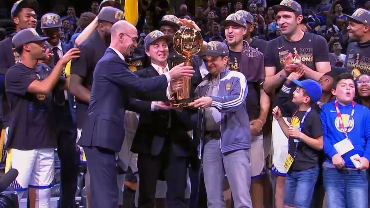 Curry helpt Warriors aan derde NBA-titel