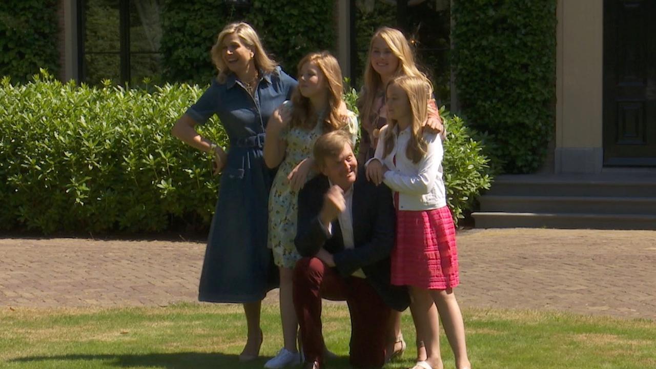 Koninklijke familie poseert voor Villa Eikenhorst