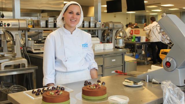 Overwinning voor student ROC Leiden bij patisserievakwedstrijd