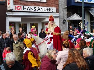 Sint kwam aan via de Roode Vaart