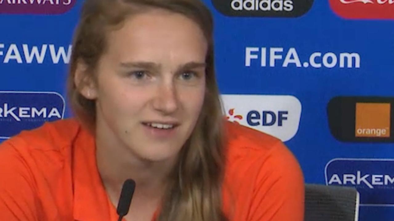 Miedema: 'Sfeer geeft positieve energie voor duel met Zweden'