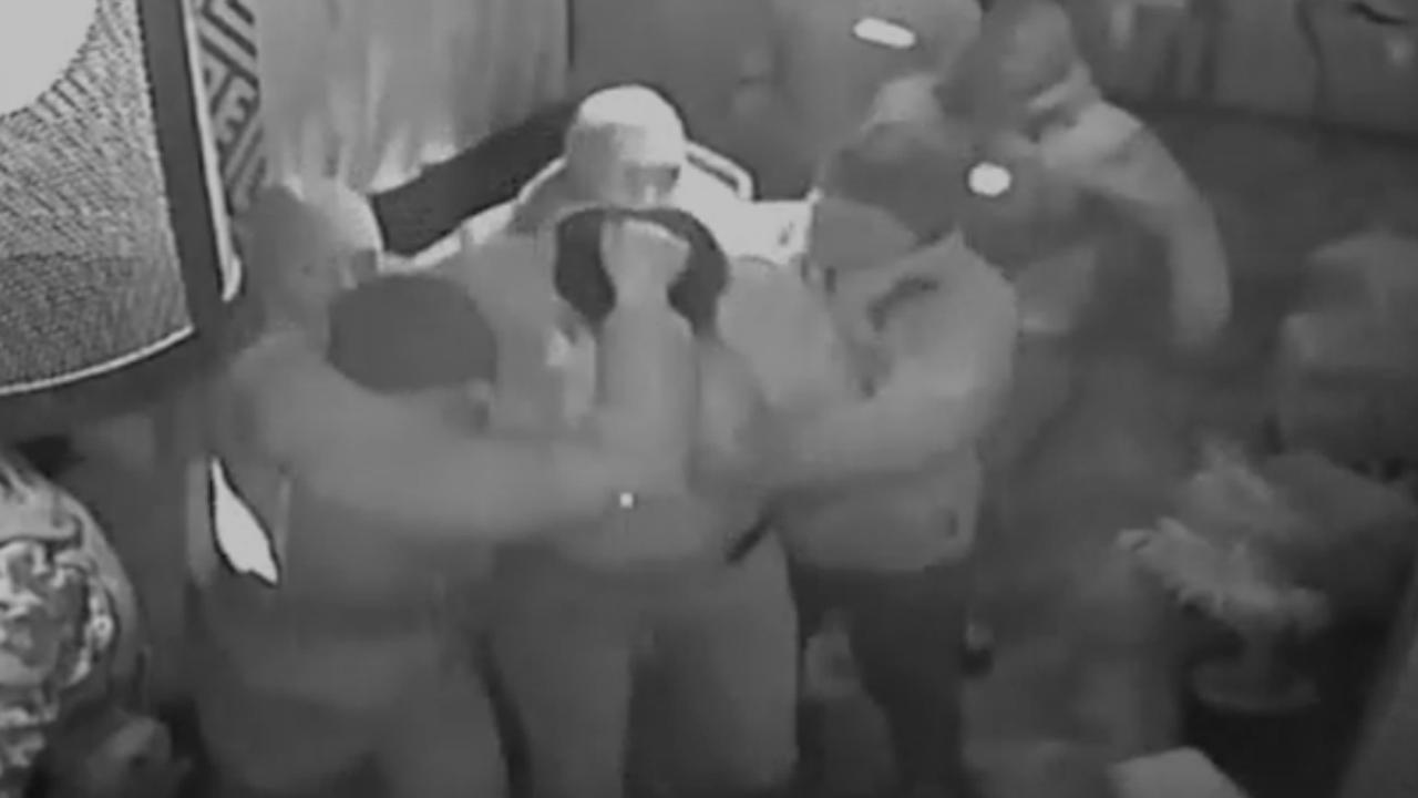 Oud-president Georgië hardhandig opgepakt in restaurant Kiev