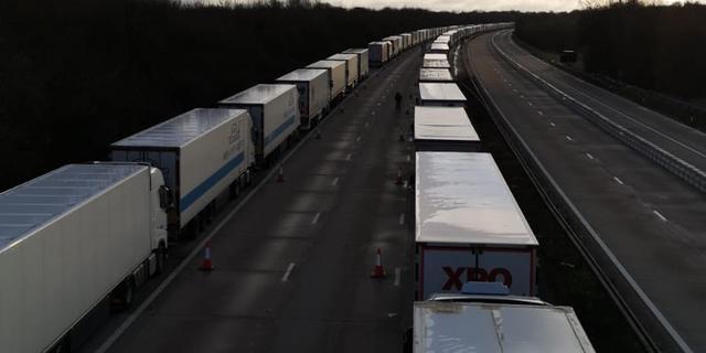 Nederlandse chauffeurs hopen op tijd thuis te zijn na extra inzet Brits leger