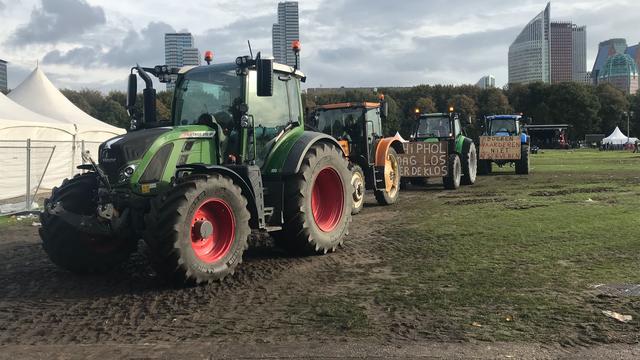Massale protestactie van boeren in provinciehuis Haarlem op komst