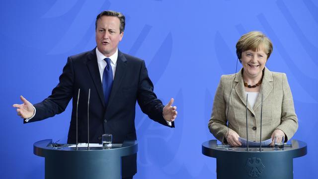 Merkel belooft Cameron hervormingen Europese Unie