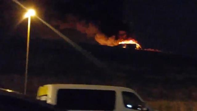 Privévliegtuig stort neer bij vliegveld in Istanbul