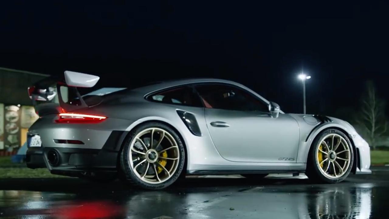 Porsche test 911 GT2 RS op kartbaan