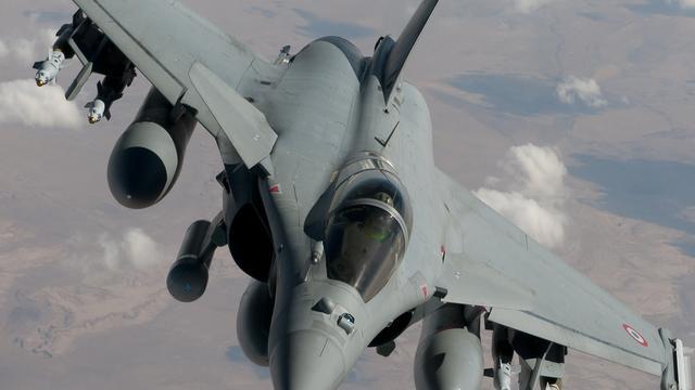 Tientallen doden bij mislukte luchtaanval Irak