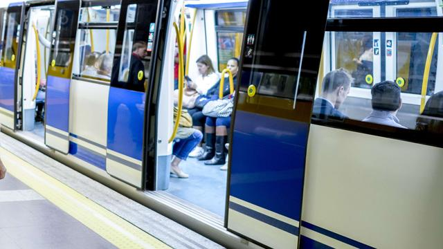 Ballon legt metro Madrid deels plat